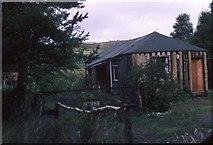 NN3578 : Fasgadh: former private hostel at Fersit by John Smart