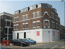TQ3581 : The former King's Arms, Stepney by David Anstiss