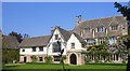 SU4298 : Fyfield Manor by Des Blenkinsopp