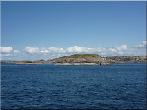 NM2718 : By Steamer to Iona - 4th June 2012 : Dubh Sgeir and Eilean nam Muc, Ross of Mull by Richard West