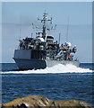 J5082 : HMS 'Bangor' departing Bangor by Rossographer