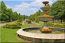 TQ2882 : Regent's Park Fountain by Wayland Smith