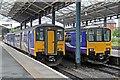 SJ4166 : Sprinter units, Chester Railway Station by El Pollock