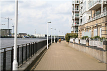 TQ3778 : Isle of  Dogs:  The Thames Path by Dr Neil Clifton