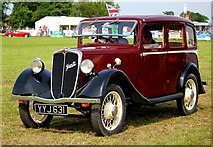 SJ7177 : Vintage Car at the Cheshire Show by Jeff Buck