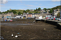 NR8668 : Low tide at Tarbert Harbour by Walter Baxter