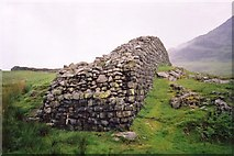 NY2101 : Boundary wall at Hardknott Castle by Ruth Riddle
