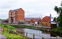 SO8277 : New canalside housing development, Kidderminster by P L Chadwick