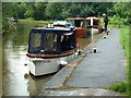 SO8556 : Worcester & Birmingham Canal - squeezing in by Chris Allen