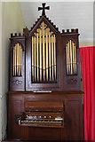 TF3093 : Organ in St Andrew's Church, Utterby by J.Hannan-Briggs