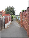 SE2932 : Footpath - end of Nineveh Parade by Betty Longbottom