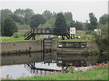 SE3118 : The Flood Lock on Thornes Cut by Ian S