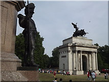 TQ2879 : Wellington Arch from Wellington Memorial by Colin Smith