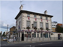 TQ3884 : The Railway Tavern, Stratford by David Anstiss