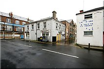 TA2710 : Hutton Road, Grimsby by Dave Hitchborne
