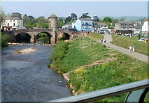 SO5012 : A bridge view from modern to ancient, Monmouth by Jaggery