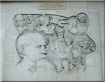 TQ2882 : Charles Dickens relief by Thomas Nugent