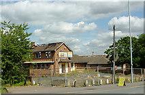 SO9199 : Derelict pub near Springfield, Wolverhampton by Roger  Kidd