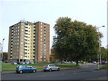TL0449 : Block of flats in Bedford by Malc McDonald