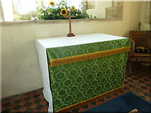 SY7699 : St Martin, Cheselbourne: altar by Basher Eyre