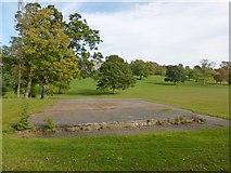 NS3882 : Concrete base, Balloch Park by Lairich Rig