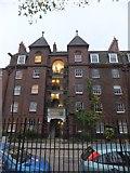 TQ3581 : Dunstan House flats by David Smith