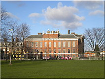 TQ2579 : Kensington Palace by Andrew Wilson