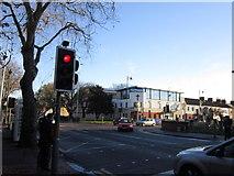 TA0831 : Cottingham Road at Newland Avenue, Hull by Ian S