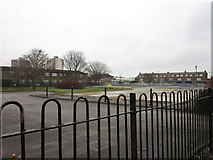 TA1431 : Derelict land on Greenwich Avenue, Hull by Ian S