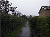 TF0819 : Farm track to footpath by Bob Harvey