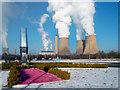 SU5091 : Power Station & Pink Gravel by Des Blenkinsopp
