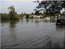 TQ1169 : River Thames by Shaun Ferguson