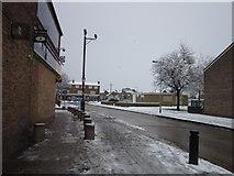 TA1431 : Greenwich Avenue, Hull by Ian S