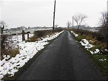 H5672 : Tullyneil Road, Mullaslin by Kenneth  Allen