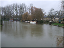 SU2199 : Lechlade wharves, seen from Halfpenny Bridge, Thames Street, Lechlade by Vieve Forward