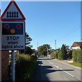 SO4383 : Stop when lights show, Long Lane, Craven Arms by Jaggery