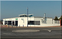 ST1166 : Corner view of Dolphin, Barry Island by Jaggery