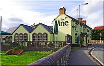 SO8483 : The Vine (2), 1 Dunsley Road, Kinver by P L Chadwick