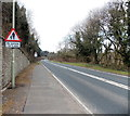 SS8983 : No footway for ½ mile, B4281, Aberkenfig by Jaggery