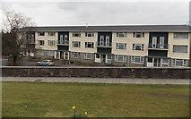 SS8983 : Hafan Deg flats, Aberkenfig by Jaggery