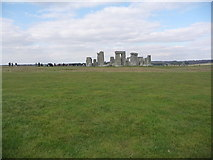 SU1242 : Stonehenge: view from the south by Chris Downer
