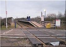 TA0623 : Barrow Haven railway station by Nigel Thompson