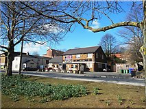 SE5613 : The Red Lion Pub, Askern by Bill Henderson