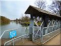 SU5097 : Upstream from the Weir by Des Blenkinsopp