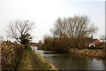 SK7282 : Chesterfield Canal by Graham Hogg