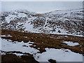 NH0421 : Across the bealach by Richard Law