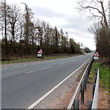 SO5620 : Southbound carriageway of the A40 near Pencraig by Jaggery