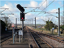 NT9953 : The East Coast Railway Line at Berwick-upon-Tweed by Walter Baxter