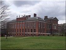 TQ2579 : Kensington Palace by John H Darch