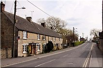 SU2199 : Thames Street in Lechlade by Steve Daniels